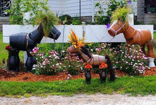 Лошади поделки для сада