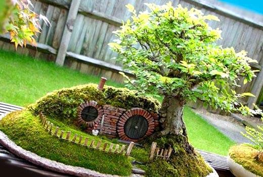 Домик для гнома в саду