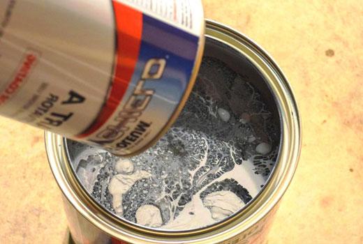 Смешивание краски с отвердителем