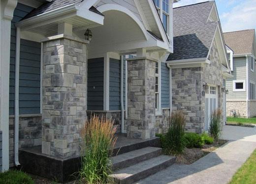 серый сайдинг для фасада