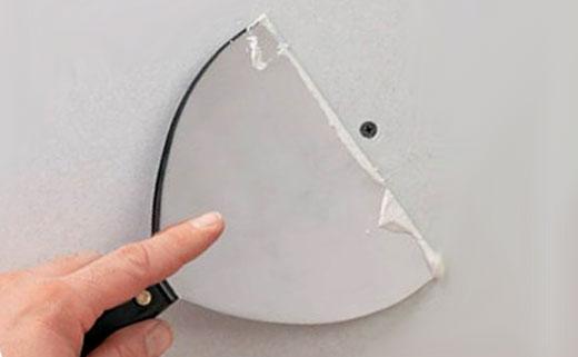 выравнивать шпаклевкой стену