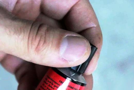 очищение суперклея с пальцев