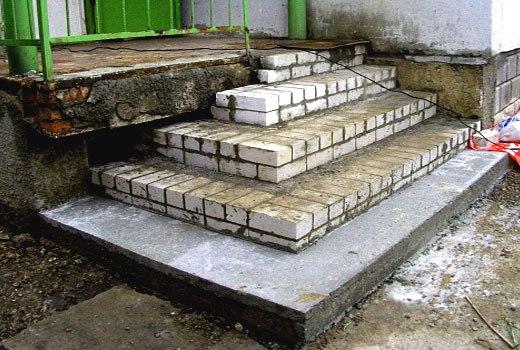 дешевое бетонное крыльцо