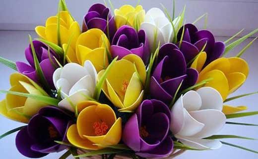 крокусы и тюльпаны из ложек