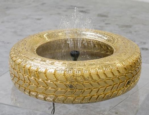фонтанчик из шины