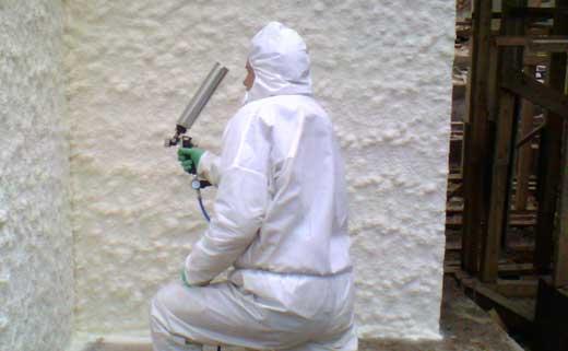 пенополиуретан напыление на стену