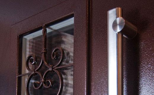 двери со стеклопакетом входные
