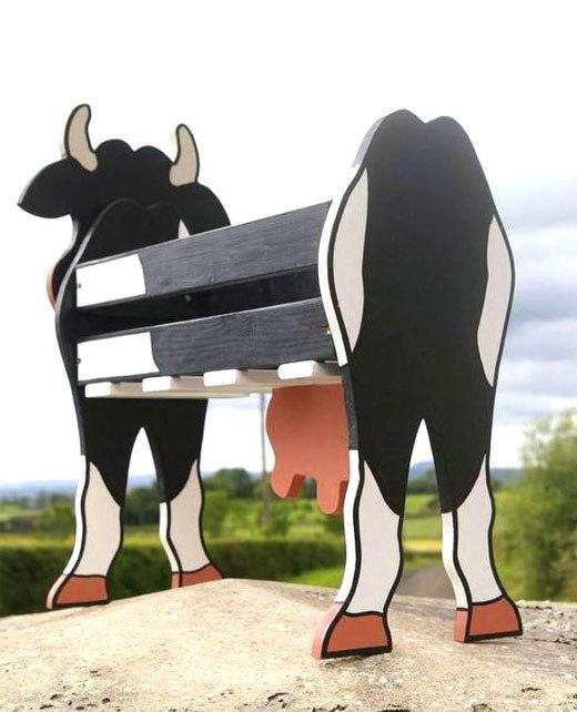 Корова из досок