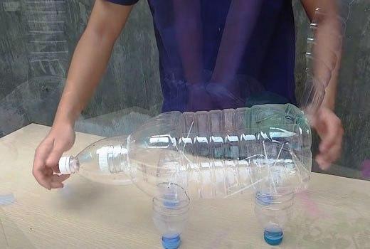 Крепление ножек лисы из пластиковых бутылок