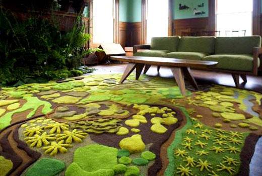 коврик поляна в гостиной