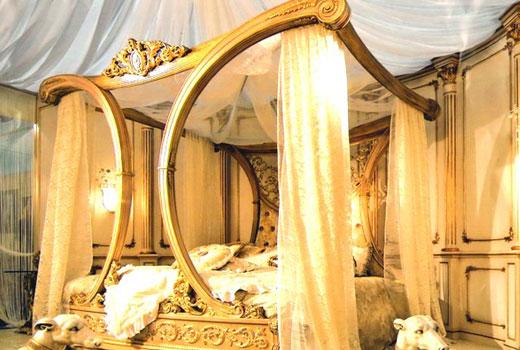 кабинка кровать