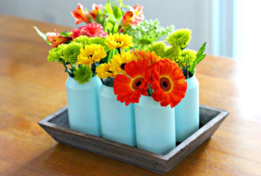 цветы в банках из-под пива