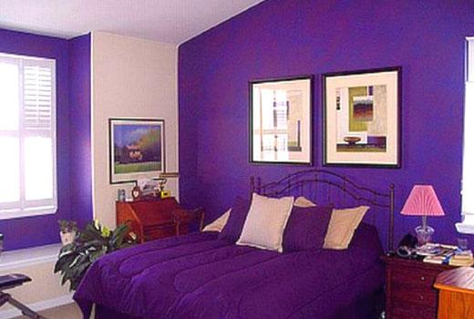 спальня фиолетовые стены