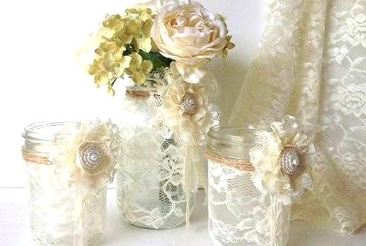 кружевной декор на вазочках