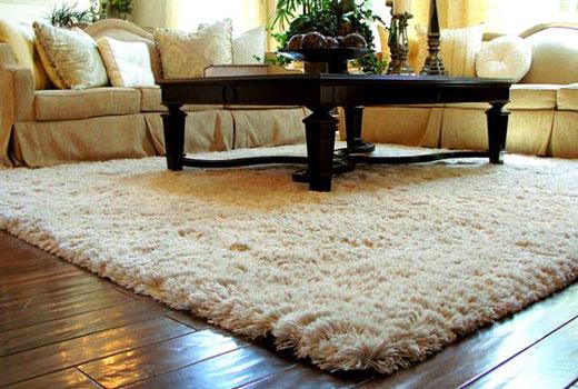 белый коврик мех в гостиную