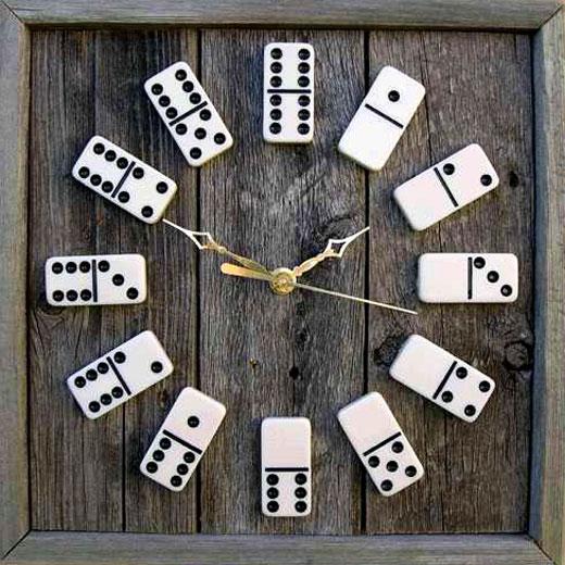 часы домино