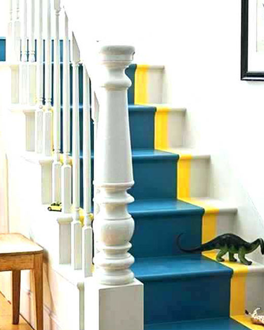 разноцветная лестничная конструкция покраска