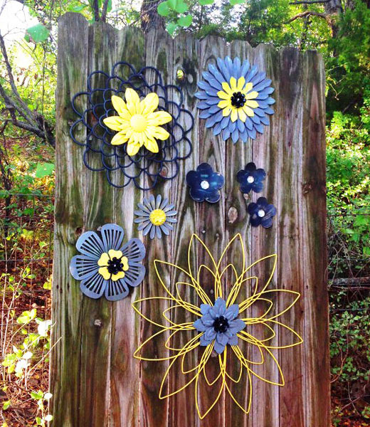 декор сада проволочные цветы