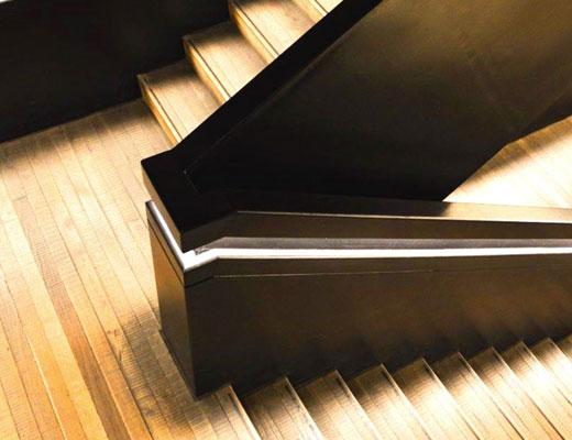 покраска лестницы деревянной