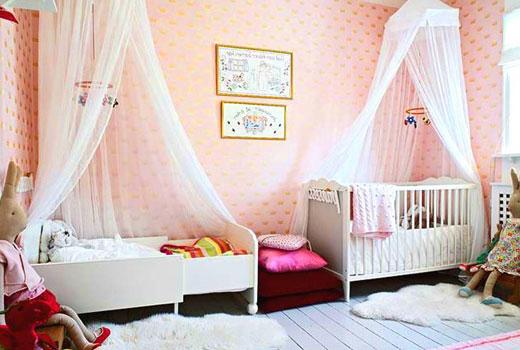 кровати для разновозрастных детей в детской комнате