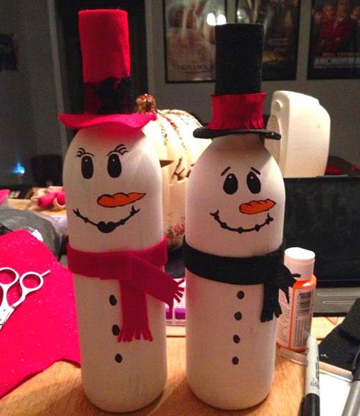 снеговики в шляпах