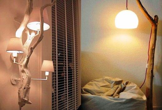 две лампы с деревянным декором