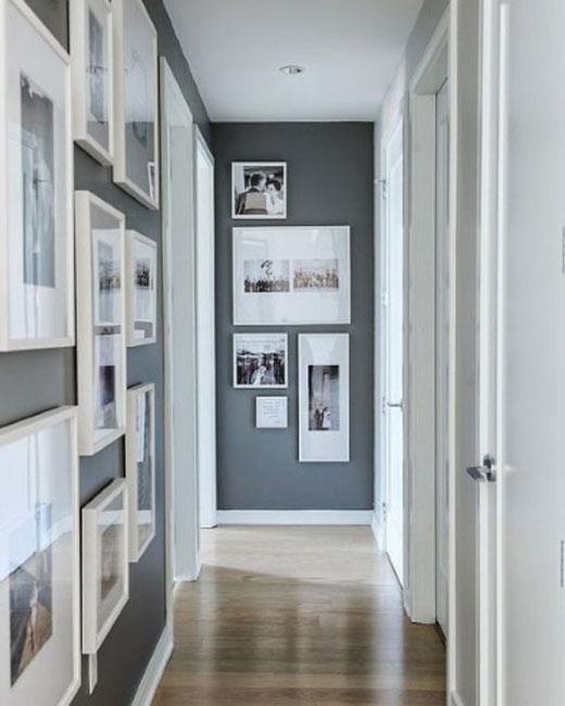 галерея на стене коридора