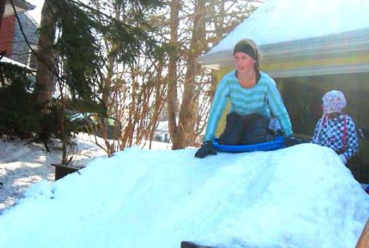 как сделать спуск для зимней горки