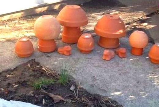 делаем грибочки из горшочков