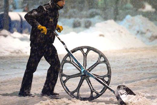 снегоуборщик на колесе