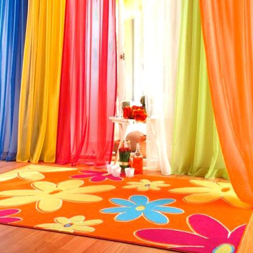 ковер цветы и шторы гостиная