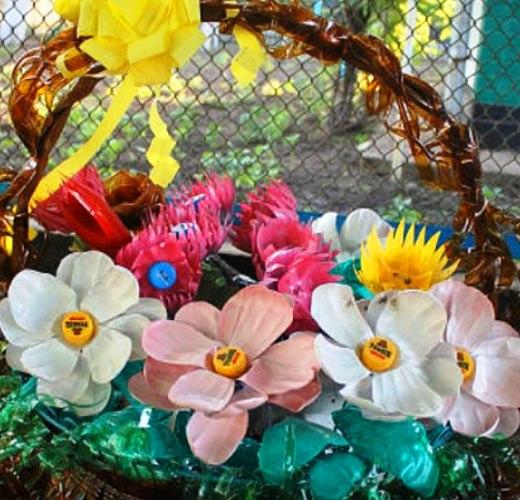 красивые пластиковые цветы