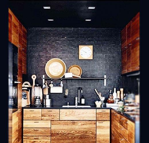 кухня черная стена