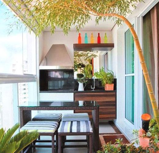 маленькая кухня на балконе