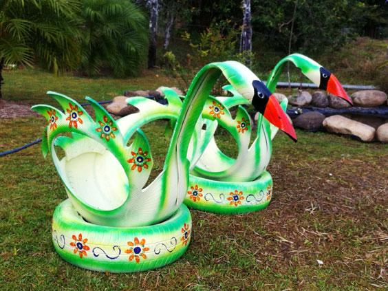 декоративные лебеди из шин