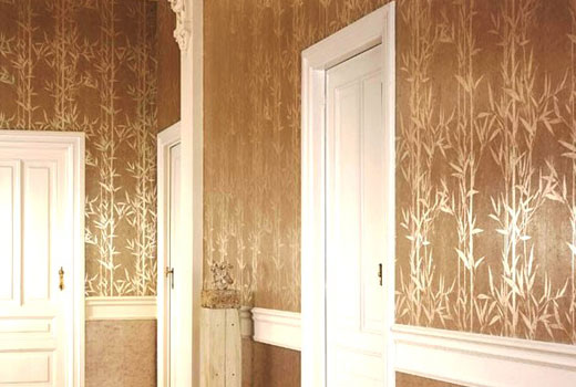 обои с рисунком бамбука в коридоре
