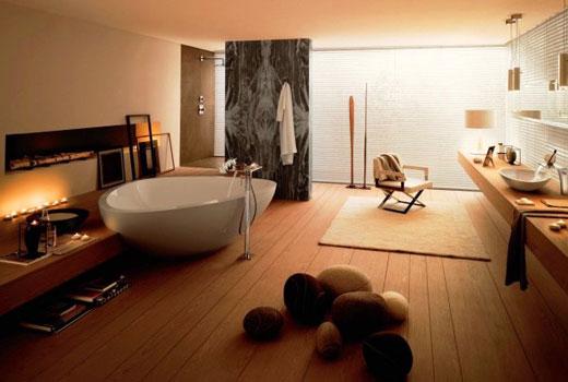 окрашенная стена в ванной комнате