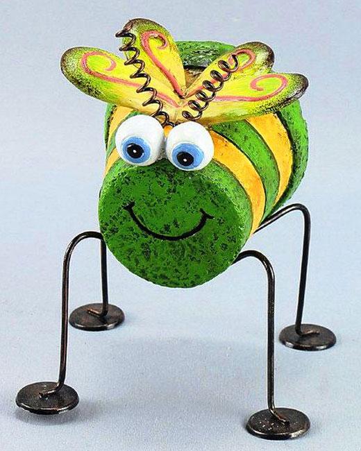 пчелка из цветочного горшка