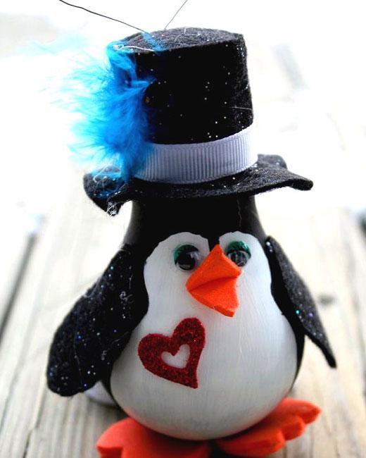 поделки новогодние пингвин из лампочки