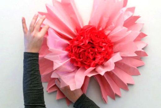 готовый цветок из оберточной бумаги