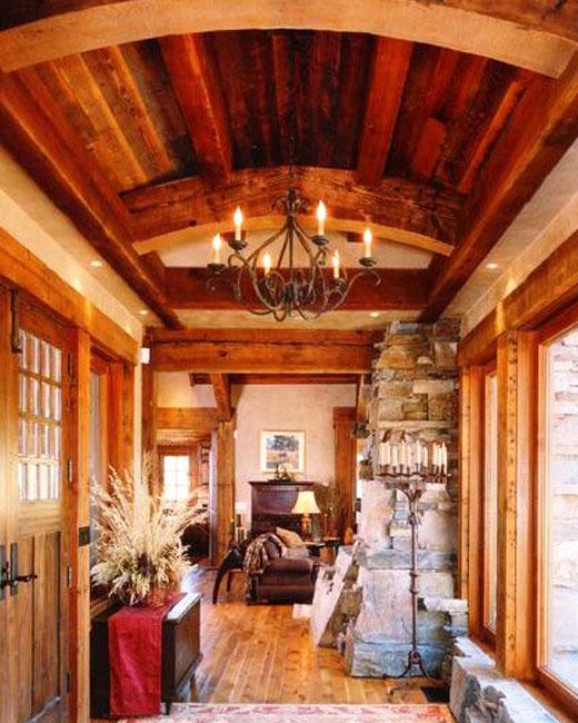 Куполообразный потолок в коридоре