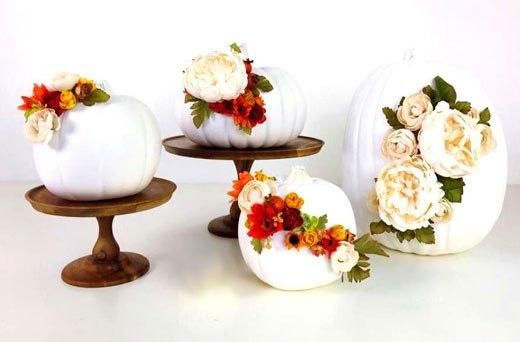Тыквы Хэллоуин с цветами