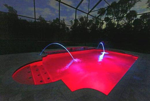 красная подсветка бассейна