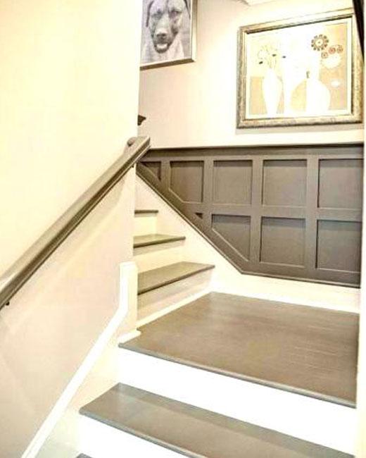 лестница с серыми ступенями