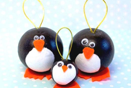 пингвины из шариков игрушки новогодние