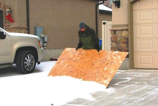 фанерный снегоуборщик