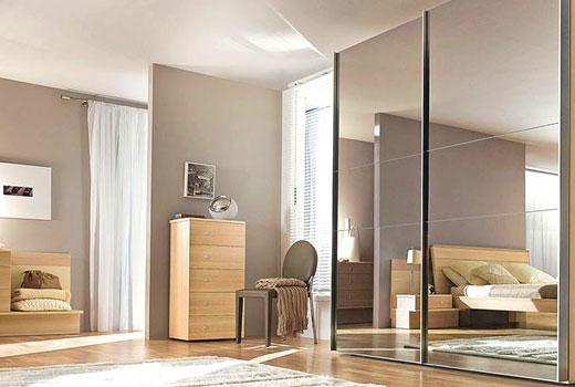 шкаф с зеркальными дверками