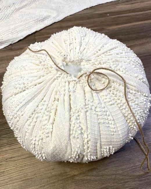 большой снеговик из ткани