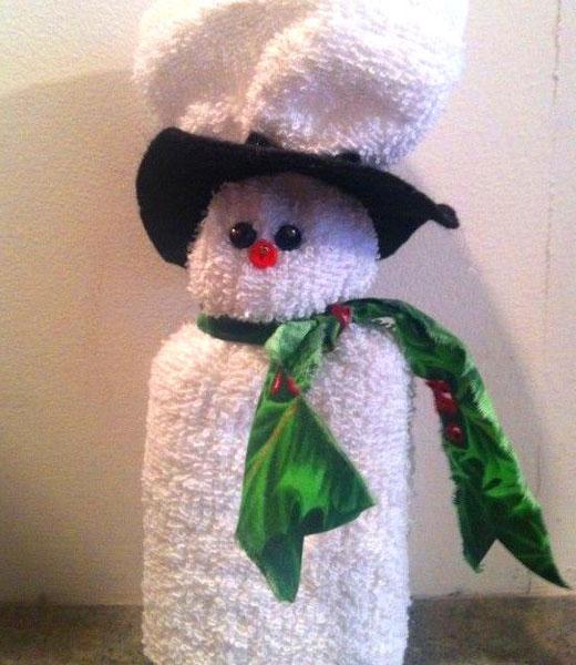 снеговик из полотенца