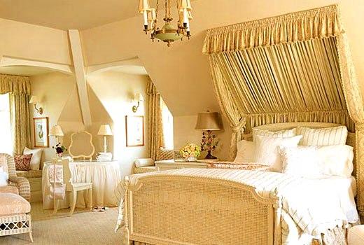 желтый балдахин кровать